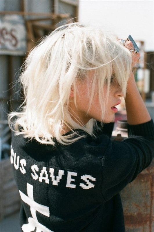 Фото блондинка с каре на аву