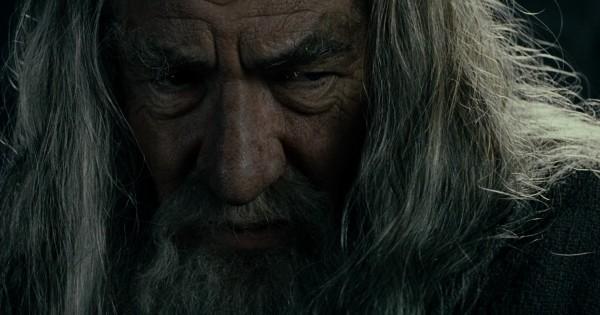 Я хотел бы, чтобы не было кольца, чтобы... © «Властелин Колец: Братство  кольца (The Lord Of The Rings: The Fellowship Of The Ring)» — цитата из  фильма