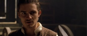 - Ты тот, кого ищут? Ты пират? - Лицо знакомое... я угрожал тебе прежде? - С пиратами якшаться против моих правил! - Из-за меня правилам изменять не стоит, позволь откланяться.
