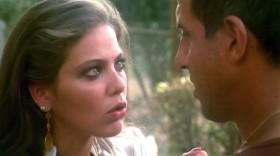 - Я вернулась, чтобы сказать, что ты ненормальный, хам, женоненавистник, грубиян и мужлан! - А кроме этого? - Ты еще и хвастун. - Понял. Ты в меня влюбилась. - Я?!