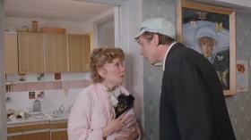 - Ты идешь к этой Горгоне?! - Не, я к жене...
