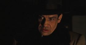 Я не люблю насилие, Том. Я бизнесмен. Кровь - непозволительная роскошь. =================================================== Я против кровопролития. Оно приносит лишние расходы.