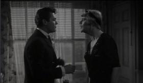 - У меня скоро свадьба. - Поздравляю. Кто же невеста? - Я! - Ты обалдел?! - Осгуд меня просил выйти за него замуж и я согласился! - Что ты говоришь? Опомнись! Ты не можешь выйти за Осгуда. - Он слишком стар для меня?