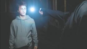 - Поттер, что вы делаете в коридоре ночью? - Ходил во сне.