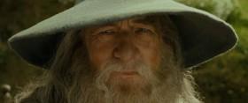 Маг никогда не опаздывает, Фродо Беггинс, и никогда не приходит раньше; он всегда появляется тогда, когда положено.  (Волшебник никогда не опаздывает, Фродо Бэггинс. Как и не приходит рано. Он приходит именно тогда, когда нужно.)  (Маг не приходит поздно, Фродо Беггинс, и рано тоже не приходит. Он появляется тогда, когда положено.)