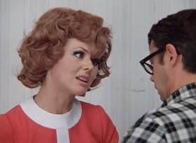 - Ему сообщают, что жена от него уходит, а он — «так-так-так-так-так»! Даже как-то невежливо! <...> Однако я поражаюсь твоему спокойствию! И знаешь, Шурик, как-то даже вот тянет устроить скандал. - Не надо! - Ты думаешь? - Уверен!