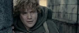 - …Мы словно в легенде очутились, мистер Фродо, в одной из тех, что берёт за душу. В ней столько страхов и опасностей, порой даже не хочется узнавать конец, потому что не верится, что все кончится хорошо. Как может всё стать по-прежнему, когда все так плохо?! Но в конце всё проходит... Даже самый непроглядный мрак рассеивается! Грядёт новый день! И когда засветит Солнце, оно будет светить ещё ярче! Такие великие легенды врезаются в сердце и запоминаются на всю жизнь, даже если ты слышал их ребенком и не понимаешь, почему они врезались... Но мне кажется, мистер Фродо, я понимаю. Понял теперь... Герои этих историй сто раз могли отступить, но не отступили! Они боролись! Потому что им было, на что опереться… - На что мы опираемся, Сэм? - На то, что в мире есть добро, мистер Фродо! И за него стоит бороться.