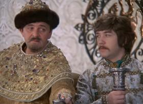 - Скажите, у вас нет отдельного кабинета? - О, да ты, ваше благородие, нарезался!