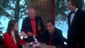 - К рыбе я бы вам советовал белое вино из Боргонии 74-го года. - Нет. - Почему? - Потому что в Боргонии в 74-ом град уничтожил весь урожай винограда. А какая у вас рыба? - Карп.  - К карпу подойдет Мозельское белое 76-го года из винограда, выращенного на левом берегу.  - Тогда я бы вам советовал Мозельское белое 76-го года из винограда, выращенного на левом берегу. - Почему? - Потому что в Боргонии в 74-ом град уничтожил весь урожай винограда.