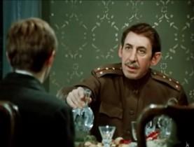 - Я, собственно, водки не пью. - А как же вы селёдку без водки будете есть? Абсолютно не понимаю!