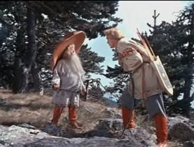 """- Иван, воротись! - Зачем? - Ты самое главное забыл! - Ну что я ещё забыл? - Ты забыл старому человеку """"спасибо"""" сказать и земной поклон отдать. - Каждому кланяться - голова отвалится. - Иван! - Пусть тебе медведь в ножки кланяется! - Ну, что ж, Иван, пусть по-твоему всё и сбудется. Медведь будет мне в ножки кланяться, а согнётся твоя спина…"""