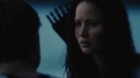 - Если ты умрёшь, а я нет, у меня не останется ничего. Никого, кто был бы нужен. - Пит... - Ты - другое дело. У тебя есть семья. Ты должна жить ради них. - А что будет с тобой? - Я никому не нужен. - Нет, ты нужен мне.