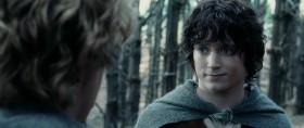 - Интересно, сложат ли о нас песни или легенды. - Что? - Думаю, скажут люди когда-нибудь: «Давайте послушаем про Фродо и кольцо?» А я крикну: «Да, это моя любимая история!» «Фродо был очень храбрый, правда папа?» «Да, сынок, он знаменитейший из хоббитов, это не баран чихнул». - Ты забыл одного из главных героев - Сэмуайза Храброго. Я хочу послушать больше про него. Фродо не ушёл бы далеко без Сэма. - Мистер Фродо, зачем вы шутите? Я говорил серьёзно. - Я тоже.