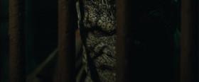 Эволюция в его случае дала обратный виток. Его называют убийца Крок. Он был похож на монстра. С ним обращались как с монстром. Вот он и стал монстром.