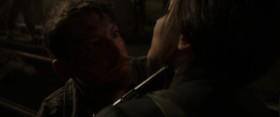 – Есть у меня причины не убивать тебя? – Нет. В этом-то и проблема, да? Мы взорвали вашу шахту – вы сожгли мой дистрикт дотла. У нас все причины убить друг друга. Хочешь меня убить – стреляй. Давай, порадуй Сноу. Мне уже надоело уничтожать его рабов. – Я ему не раб. – А я да. Поэтому я убила Катона. Он убил Цепа. А Цеп убил Мирту. Смерть так и идёт по кругу. А кто в выигрыше? Только Сноу. А мне надоело быть пешкой в его игре. Дистрикт двенадцать, дистрикт два – нам незачем воевать, войну нам навязал Капитолий. Зачем нам быть врагами? Мы соседи. Мы семья.