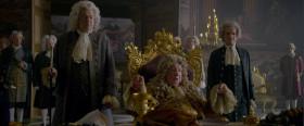 - Вы ведь Джек Воробей? - Вообще-то, капитан Джек Воробей. - Я слышал о Вас. И вы знаете, кто я...  - Лицо знакомое. Я вам никогда не угрожал? - Перед вами Георг Август, герцог Браунгшвейглюнебургский, главный казначей Священной Римской империи, Король Великобритании и Ирландии! И ваш король! - Не слыхал о таком.