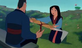 - Отец, я привезла тебе меч Шань-Ю и медальон императора. Эти вещи послужат чести семьи.  - Величайшая честь для меня - это то, что ты моя дочка!