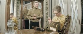 Ну неужели ты до сих пор не поняла, бабуля, что своим нежностями ты портишь будущего офицера?