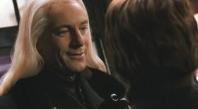 - Ваш легендарный шрам такой же легендарный как и волшебник, который его Вам оставил. - Волан-де-Морт убил моих родителей. Он не более, чем убийца.