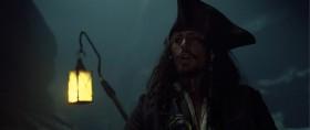- Ты невысокого мнения о пиратах? А ведь сам без пяти минут пират! Выпустил заключённого, присвоил британский корабль, отплыл на нём с корсарами с Тортуги... и хочешь добыть своё сокровище.  - Неправда. Клады меня не манят!  - Сокровище - это не только серебро да золото.