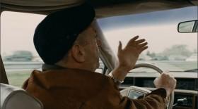 — Что ты припёрся сюда?! — Так, людей посмотреть. — Посмотреть. Я вашего брата хорошо знаю, давно езжу. Сначала у знакомых, потом посуду мыть или грузчиком в магазине, квартирку снимешь и приехали. А там куда кривая американской мечты выведет. — Зря вы так, я Родину люблю. — А, патриот! Русская идея! Достоевский! Держава!