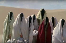 - Ну что ж мне, всю жизнь по этой пустыне мотаться?! - Список, товарищ Сухов. - Зарина, Джамиля, Гюзель, Саида, Хафиза, Зухра, Лейла, Зульфия, Гюльчатай... Гюльчатай! Напра... За мной, барышни.