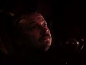 - Приземлённая ты субстанция. Как ты стал пиратом — не понимаю. Сидеть бы тебе на тихой планете, разводить склиссов. - Я бы рад. Но ты же знаешь, я люблю помучить, потерзать, поиздеваться… Вот тебя бы я помучил!