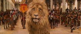 Кто хоть день провел в Нарнии, тот навсегда король или королева. Пусть ваша мудрость хранит нас, пока звезды не упадут с небес.