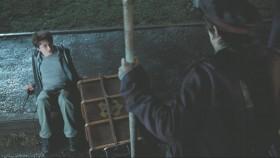 - Ты чего расселся? - Я упал. - Зачем ты упал? - Я не специально...