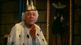 - Они хотят убить моего лучшего друга! Король подставил ему ножку. - Ах вот так? Ну сейчас, государь, Вы у меня свету невзвидите. Сейчас я начну капризничать. [<em>визжит</em>] А-а-а-а-а-а!!! - Ой, больше не буду, не буду, не буду!..