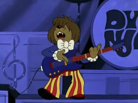 У попа была собака - он её любил. Она съела кусок мяса - он её убил. Убил! Ай-яй-яй-яй! Ай-яй-яй-яй! Ай-яй-яй-яй-я-ай! Ой-ой-ой-ой! Ой-ой-ой-ой! Ой-ой-ой-ой-ой!  В землю закопал и надпись написал, что… У попа была собака - он её любил. Она съела кусок мяса - он её убил. Убил!