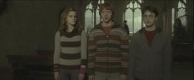 - Скажите, почему, когда что-нибудь происходит, вы трое всегда оказываетесь рядом? - Поверьте, профессор, я задаю себе тот же вопрос уже целых шесть лет.