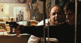 - Итак, ты пристрелил их. А дальше что? - Сяду и закончу ужин.