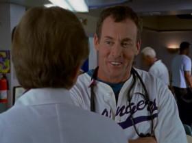 - Доктор Кокс, вы получили мое напоминание персоналу о том, что в клинике все должны ходить в халатах? - Да, Боб, получил. И, сначала просто выбросил в мусорное ведро, но потом решил, что это недостаточно красивый жест, поэтому я сделал твоё чучело из соломы, надел на него свой больничный халат с твоим напоминанием в кармашке и пригласил соседских детей - мы жгли твоё чучело и били его палками.