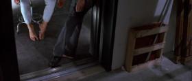 В мире девять миллионов террористов, а мне попался с ногами, как у Золушки! [<em>перевод НТВ</em>] ================================= Из всех террористов в мире мне нужно было убить того, у которого размер обуви меньше, чем у моей сестры. [<em>перевод Леонида Володарского</em>]