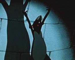 Мои серые воины! Я привела вас сюда и я поведу вас дальше! Мы овладели подвалом Глимингенского замка, мы овладели зерном, которого нам хватит на всю жизнь! Но этого мало! Весь замок должен принадлежать нам! А главное - растерзаем летучих мышей, этих жалких изменников, у которых хватает наглости называться мышами! Мы...!